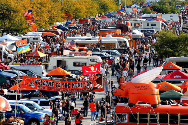 Effects of tailgating in ncaa division